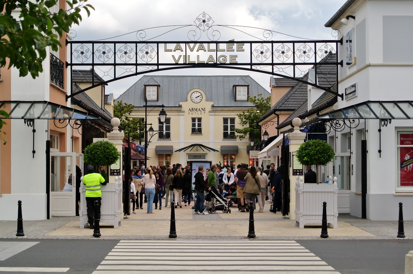 Nailloux fashion village enseignes 7